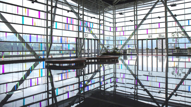 台湾国際会議センターに設置された光の芸術作品 「Light Wall」