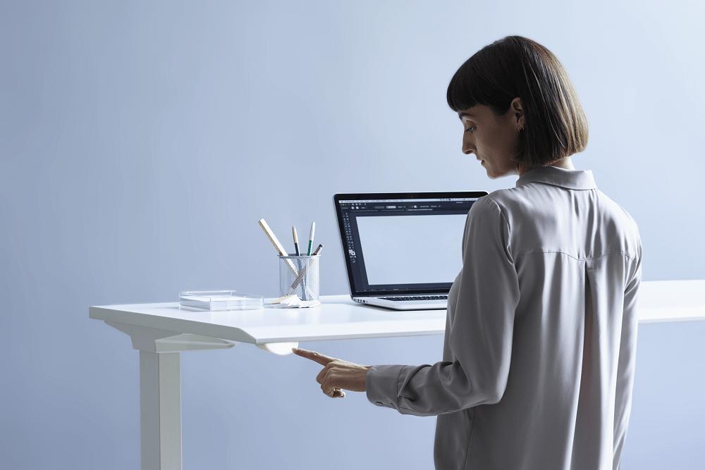 アプリで従業員の健康を支援するスマートオフィス家具