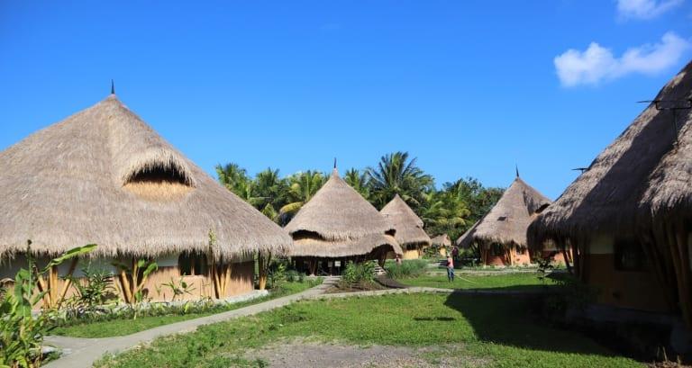 アースバッグでできた楽園エコホテル「Mana Earthly Paradise」