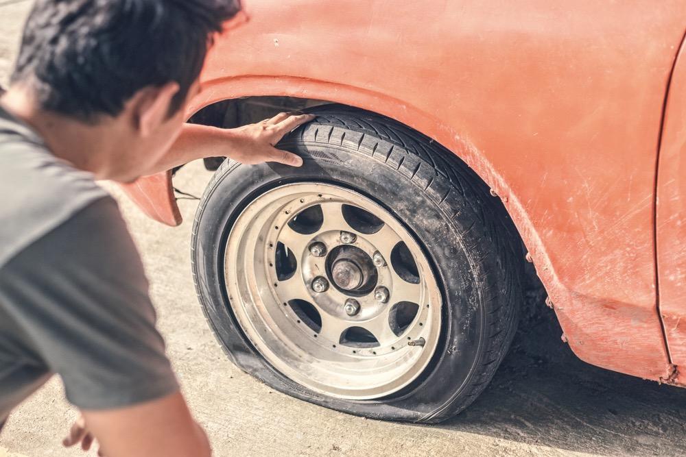 廃タイヤをアスファルト道路にリサイクルする「Tarmac」