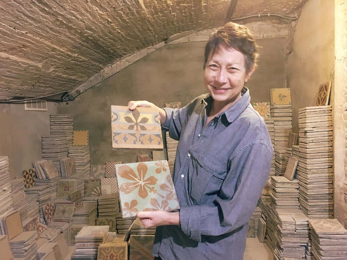 廃棄タイルの歴史をつなぐアップサイクル。家具工房「メサ・ボニータ」