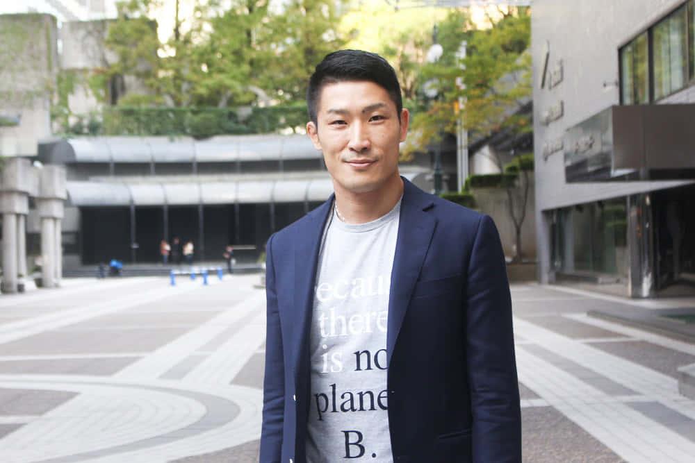 読めない文字で人々をつなぐアーティスト、長谷川雅彬氏に聞く、アートで社会をよくする方法