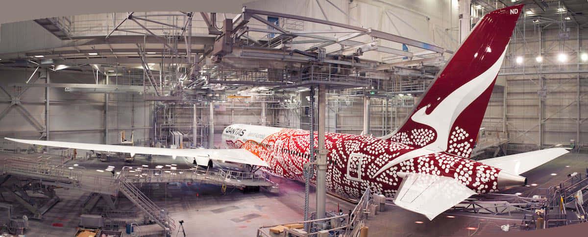 豪カンタス航空の、先住民アボリジニに敬意を示す機体アート