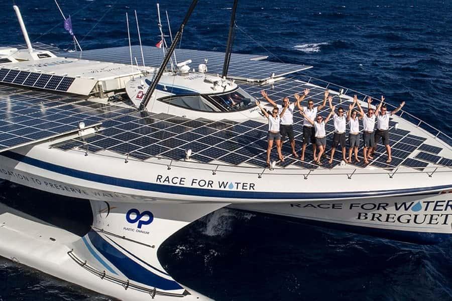 海洋プラゴミをエネルギーに換えるスイス発「レース・フォー・ウォーター号」