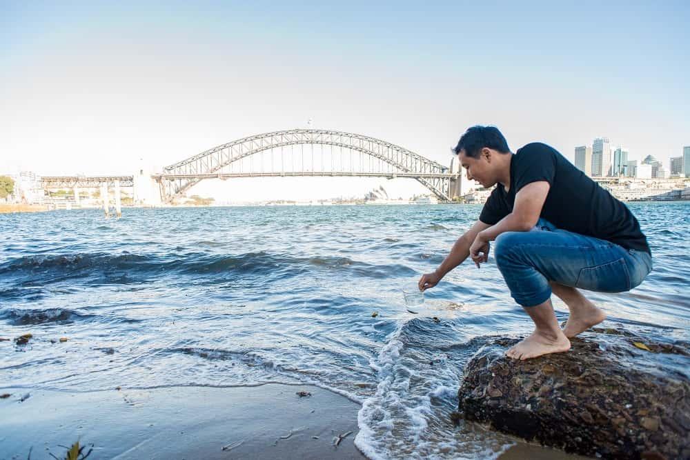 海水も飲み水へと浄化する、再生可能な大豆油の浄水フィルター「Graphair」