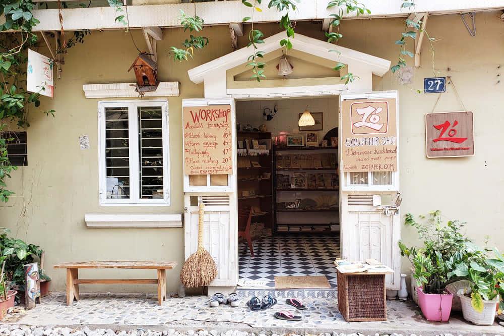 伝統の紙づくりを守るのは、モダンなデザイン。小さな雑貨店「Zo Project」