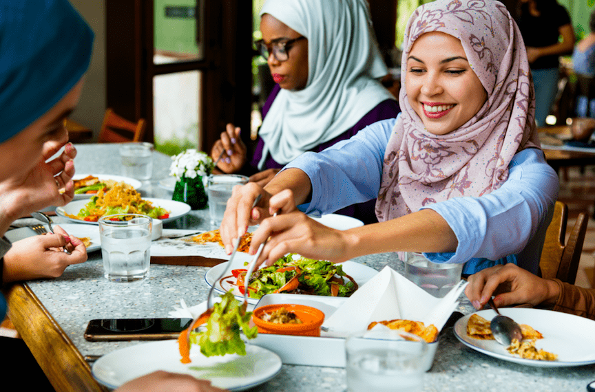 NTTドコモが開発、ムスリムやベジタリアンが食べてもOKな商品をカメラで判別できるアプリ