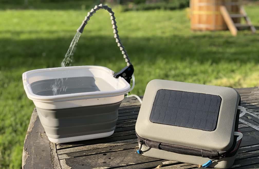 どこでも清潔な水を。太陽光を使った携帯用手洗いシンク「GoSun Flow」