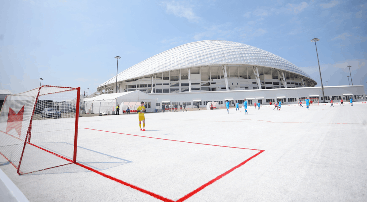 W杯の廃棄プラカップで建てたサッカー場「ReCup Arena」