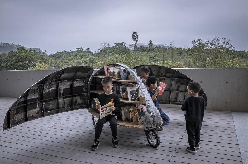 廃棄自転車のアップサイクル「てんとう虫図書館」