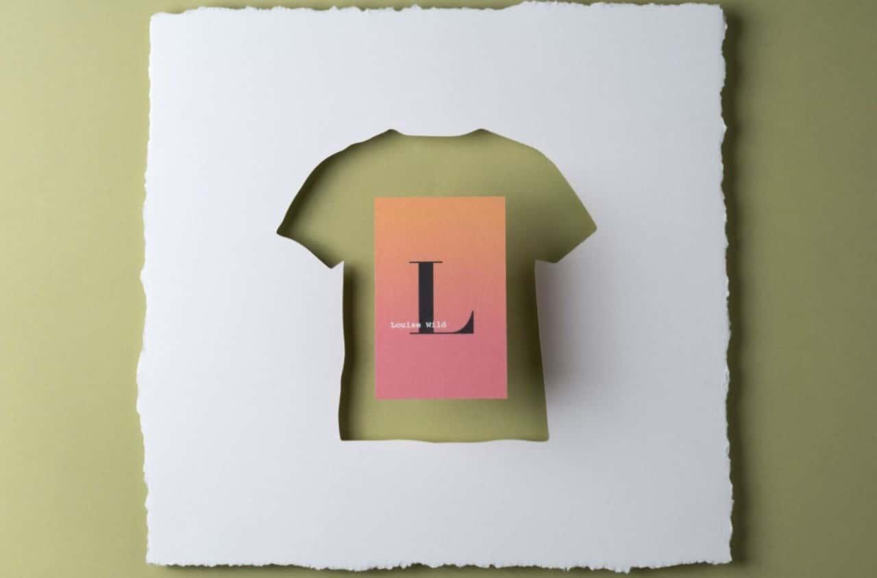 Tシャツのオフカット生地から作る、100%リサイクルのエコ名刺「MOO」