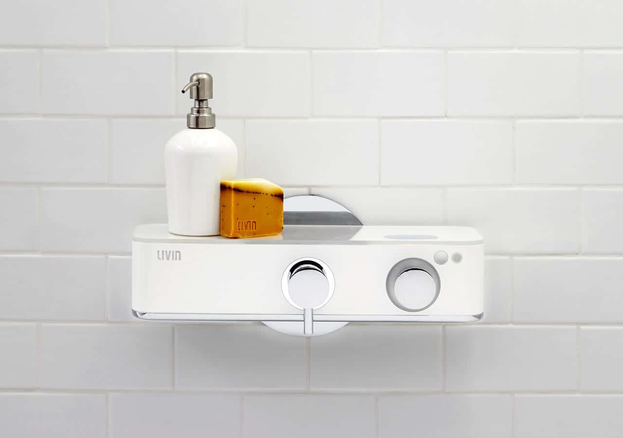 シャワー時のストレスも水の無駄もなくすIoTデバイス「Livin Shower」