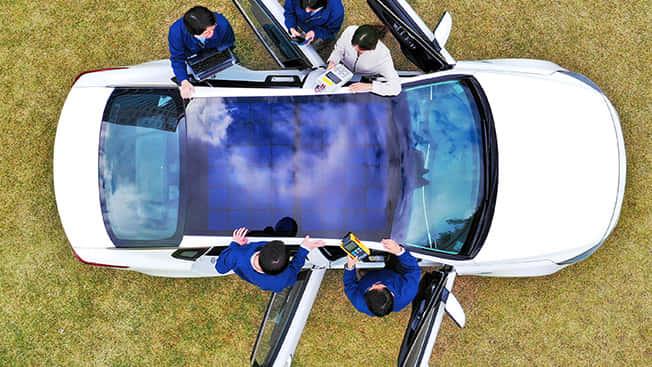 ヒュンダイ・起亜自動車のエネルギーを作り出すソーラー屋根
