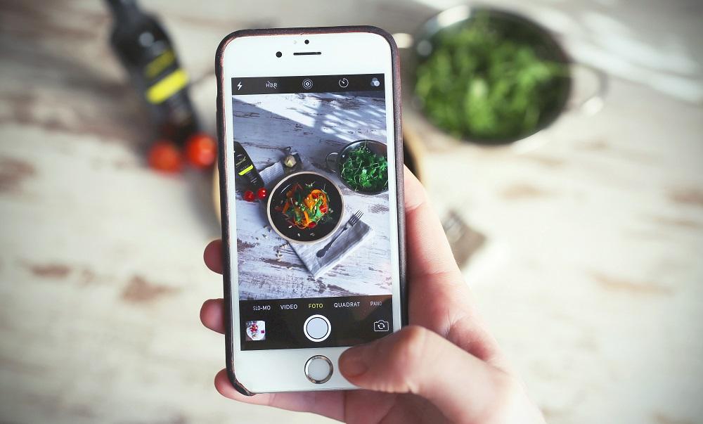 スマホをかざすと本当の消費期限がわかる食品腐敗検出センサー