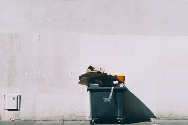校内のほぼすべてのごみ箱を撤去したメルボルンの女子高校