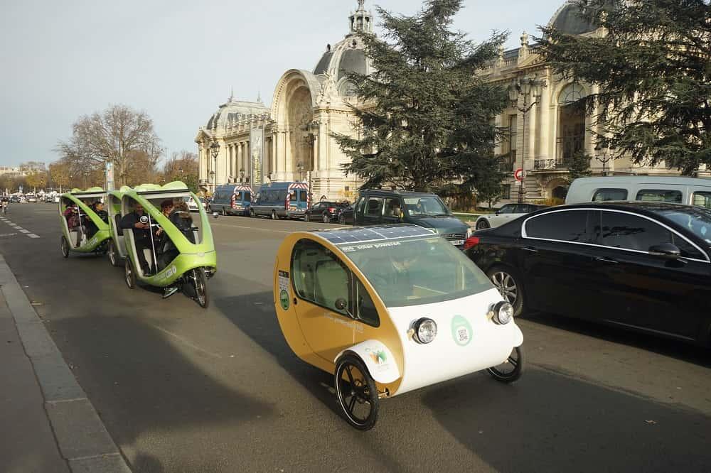 スペイン生まれの自家発電する三輪バイク「モー」
