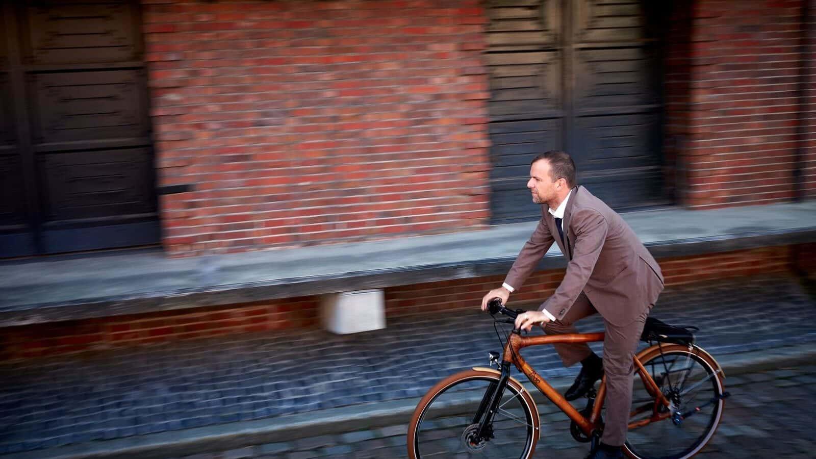 ガーナの若者に未来を運ぶ。竹でできた地球に優しい自転車「my Boo」