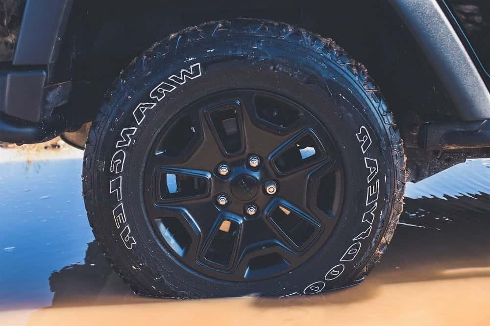 廃タイヤを低コストで断熱性のある頑丈なエアロゲルへ変える研究開発