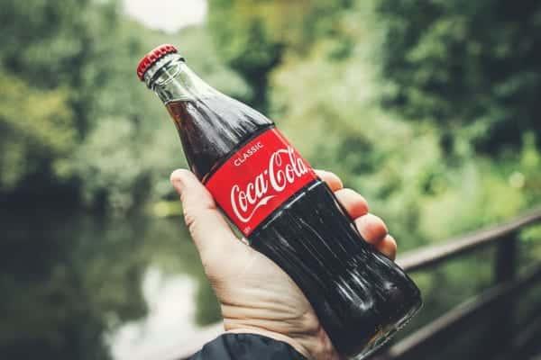 世界初、コカ・コーラの海洋プラごみをリサイクルしたペットボトル