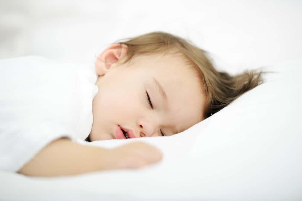 赤ちゃんの夜泣きを軽減する、IoTテクノロジーを駆使したベビーベッド「SNOO」