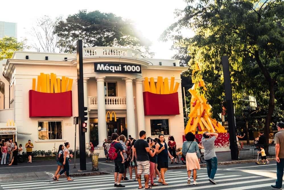 ブラジルのマクドナルドが導入している食品ロスや家庭ごみからできた食品トレー