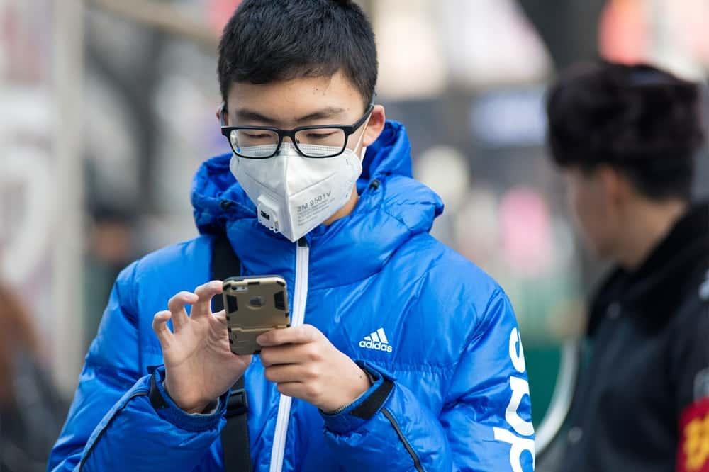 大気汚染がひどいほど安くなるマスク「Air pollution discount」