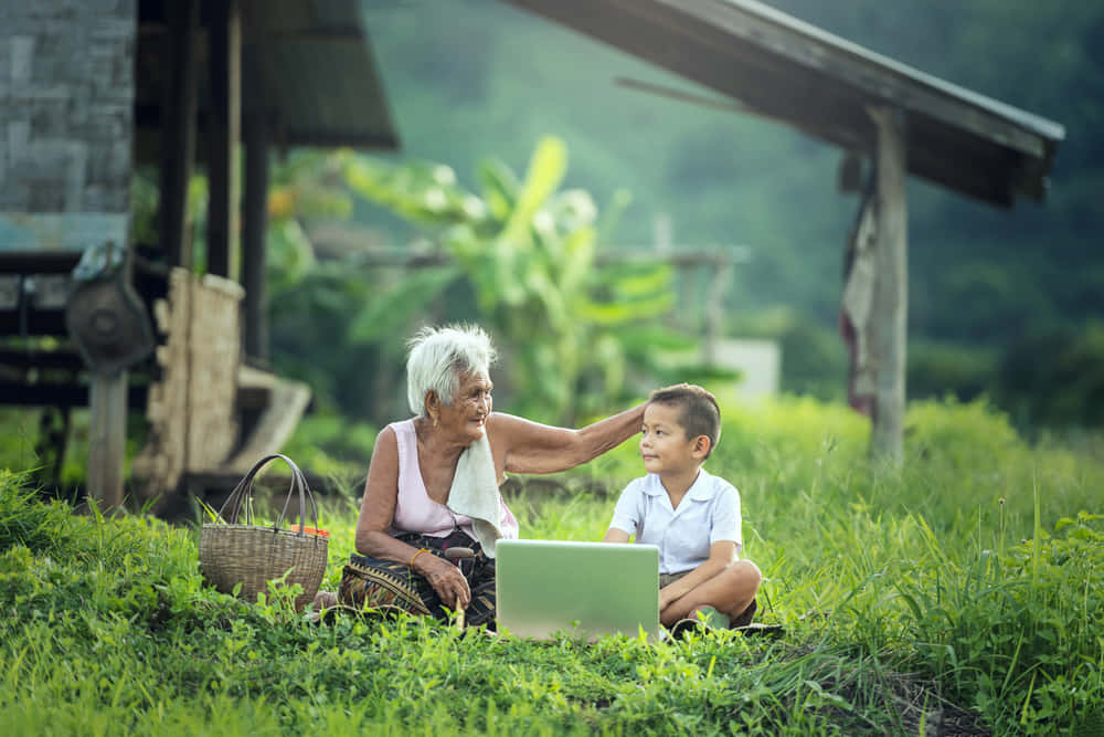 電気が届かない村でもインターネットが使える太陽光で発電する通信ハブ