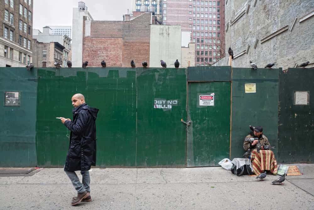 ホームレスの自立を支援する寄付アプリ「StreetChange」