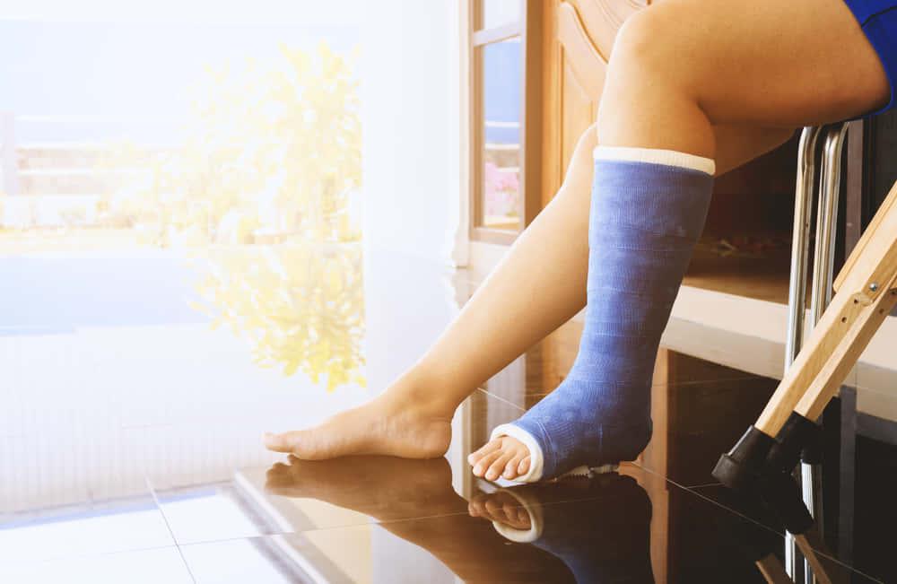 むくみを防いで「慢性静脈不全」を治療する、イスラエルのスマートソックス