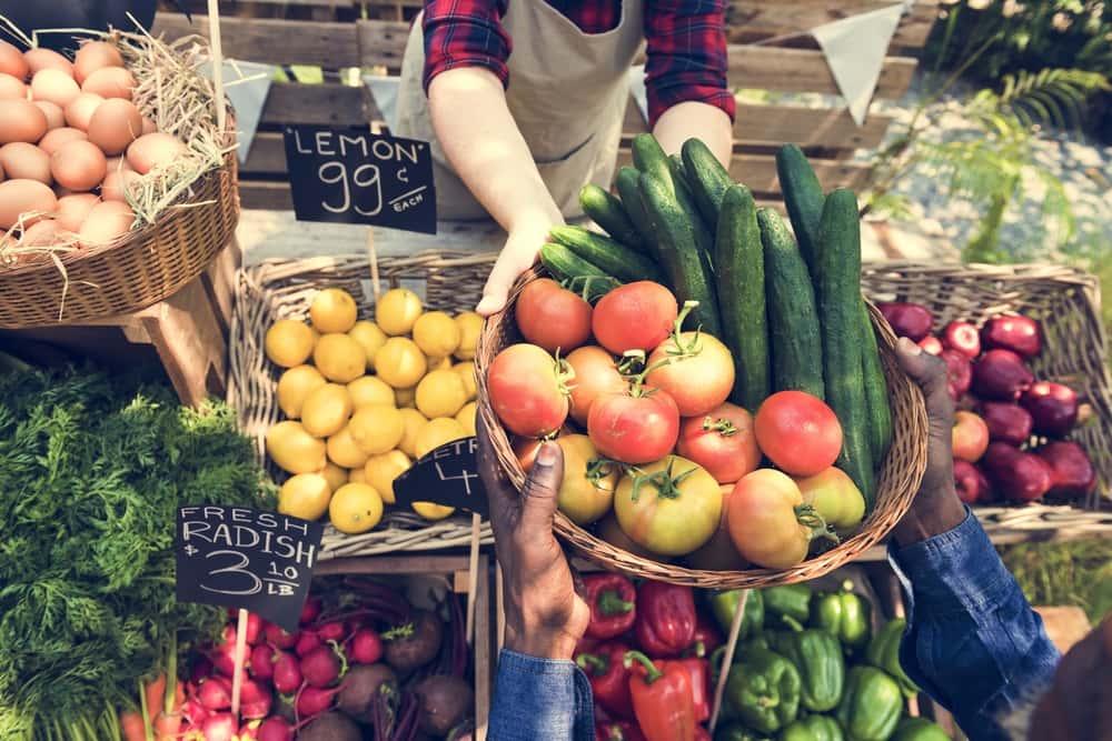 農家から直接消費者に。包装なしで新鮮食材を買える「ゼロ・ウェイスト・マルシェ」