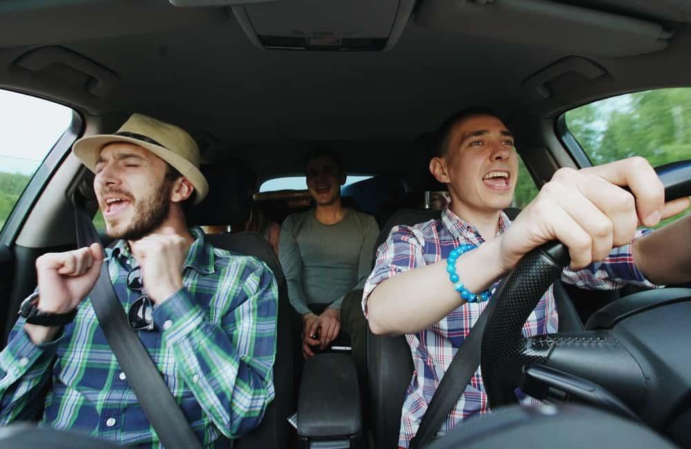 フィンランド発の、歌で支払える電気自動車タクシー「Singalong Shuttle」
