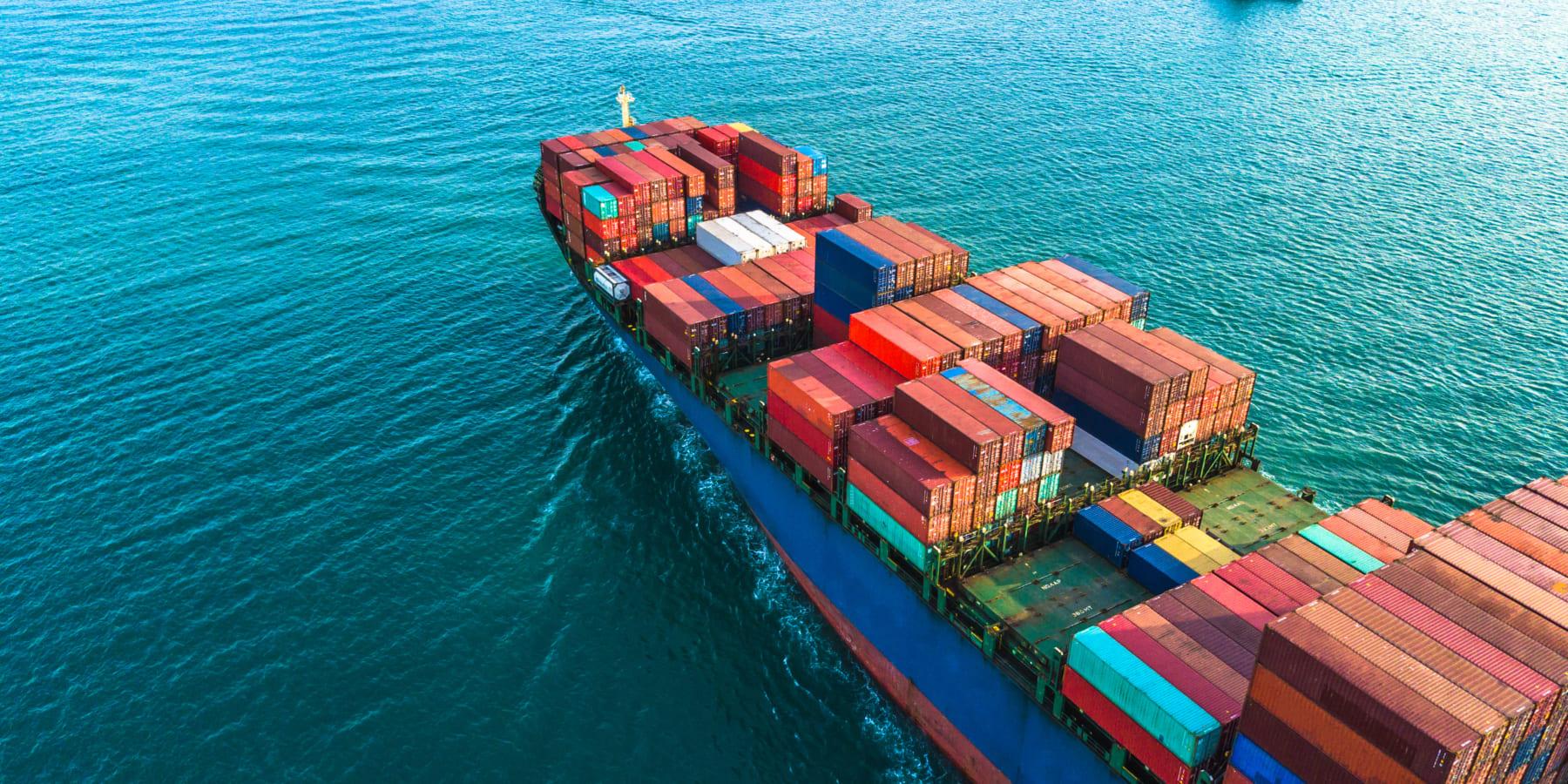 海運業の脱炭素化。船舶からのCO2排出量を削減する「空気のカーペット」