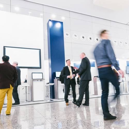 展示や空間デザインに使えるサステナブルなパネルや備品・ポイントを紹介